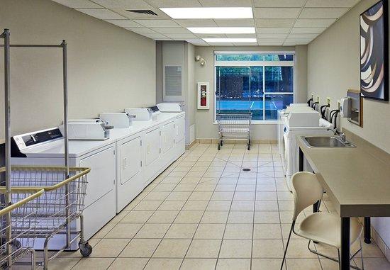 Conshohocken, PA: Guest Laundry Facility