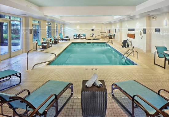 Conshohocken, PA: Indoor Pool & Whirlpool