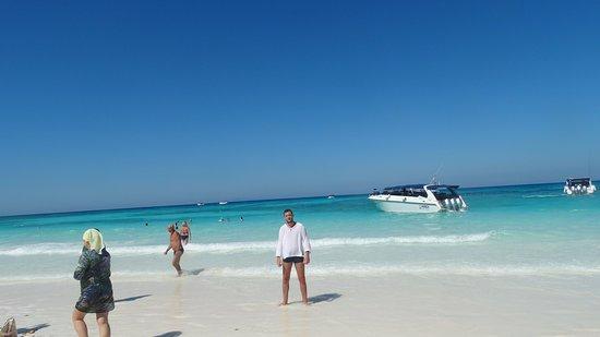 Ko Tachai Island : Красиво место ,вода  прозрачная ,бирюза,песок как мука