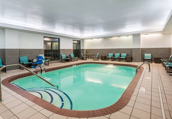 Residence Inn Chattanooga Downtown: Indoor Pool