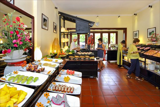 Ha An Hotel: Breakfast Buffet at Memory Cafe