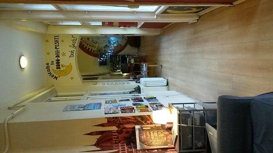 Carpe Noctem Hostel: 20161222_091808_large.jpg