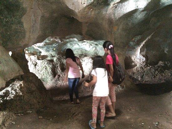 Mindanao, Filipinas: Punta Diwata Cave / Vinapor Beach Resort