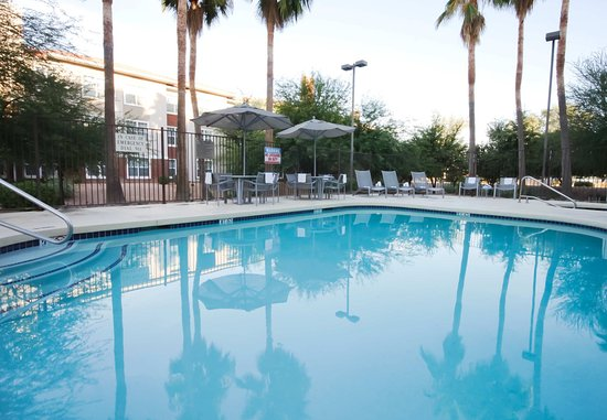 SpringHill Suites Phoenix Chandler/Fashion Center: Outdoor Pool