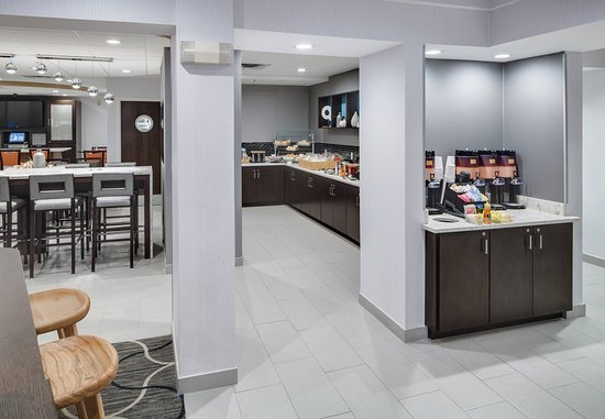 SpringHill Suites Milford: Breakfast Buffet