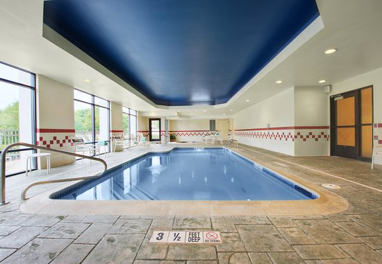 SpringHill Suites Milford: Indoor Pool & Whirlpool