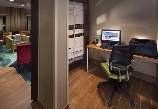 SpringHill Suites Mystic Waterford: Business Center