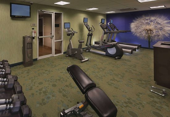 SpringHill Suites Mystic Waterford: Fitness Room