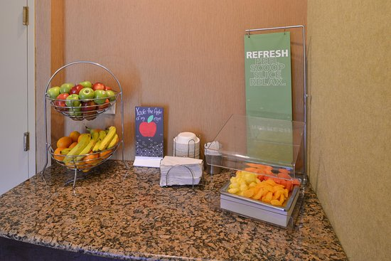 Hampton Inn & Suites Atlantic Beach: Fresh Fruit