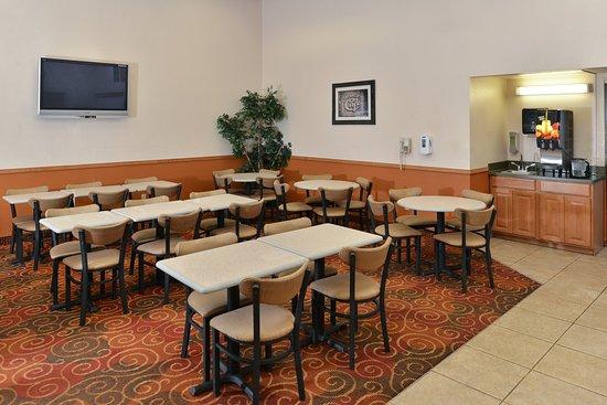 Butte, MT: Breakfast Seating