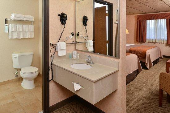 Butte, MT: Bathroom area
