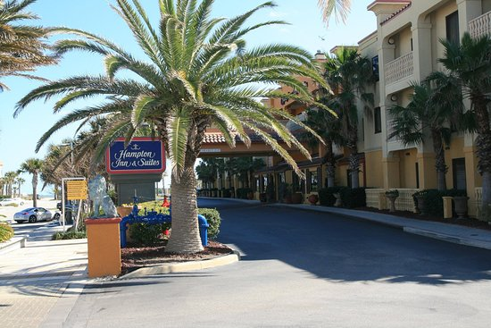Hampton Inn & Suites Oceanside Resort