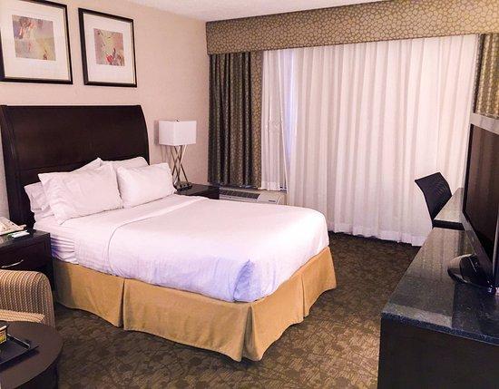 Carle Place, État de New York : Book our Handicap Accessible Guest Room for your convenience