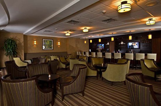 Holiday Inn Orangeburg - Rockland / Bergen: Score Board Bar & Grill