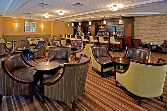 Holiday Inn Orangeburg - Rockland / Bergen: Unwind, relax with a favorite drink & special appetizer