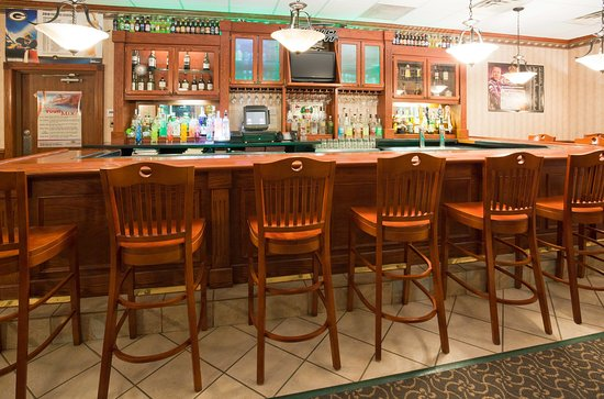 Marshfield, WI: Bar and Lounge