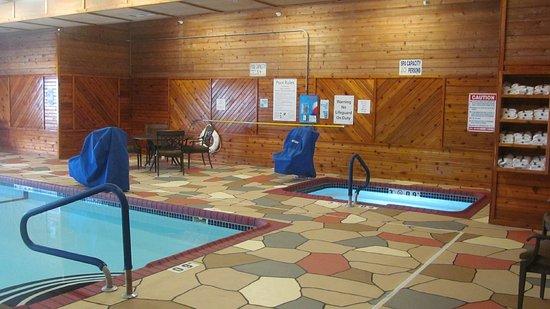 Holiday Inn Express & Suites Lexington : Holiday Inn Express Lexington NE Indoor Pool and Whirlpool