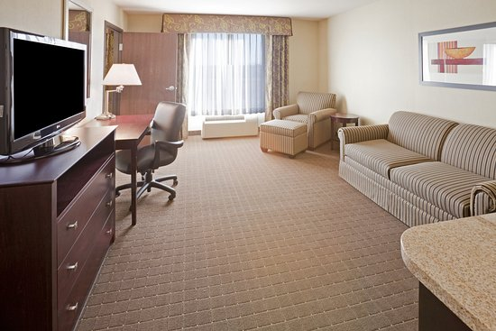 Holiday Inn Express Eagle Pass: Suite