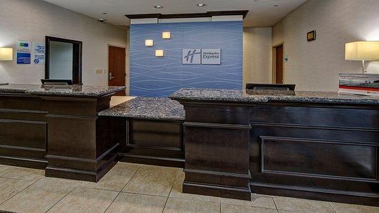 Cookeville, TN: Front Desk Reception
