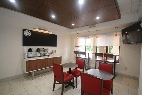 Hillsville, VA: 24 Hour Coffee Station