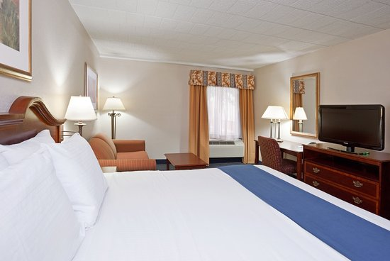 Holiday Inn Express Pittsburgh - Cranberry: Guest Room