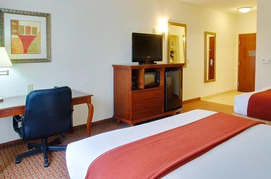 Center, TX: Guest Room