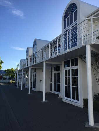courtyard restaurant picture of pavilions hotel christchurch rh tripadvisor co nz