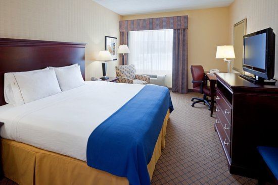 Holiday Inn Express Hotel & Suites West Long Branch: King Bed Guest Room