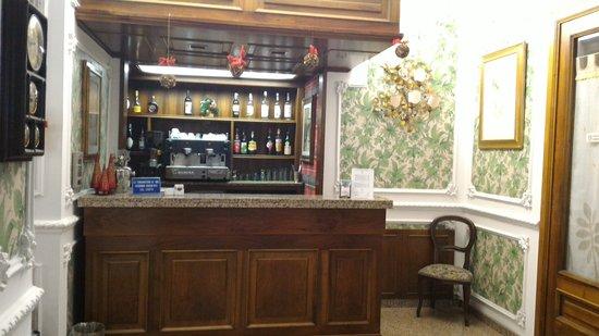 Hotel Savona: Bancone bar.