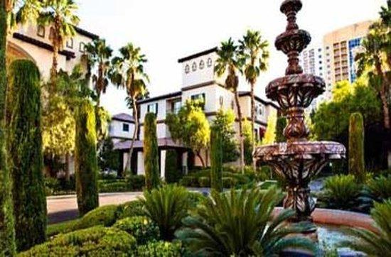 Tuscany Suites & Casino: Hotel