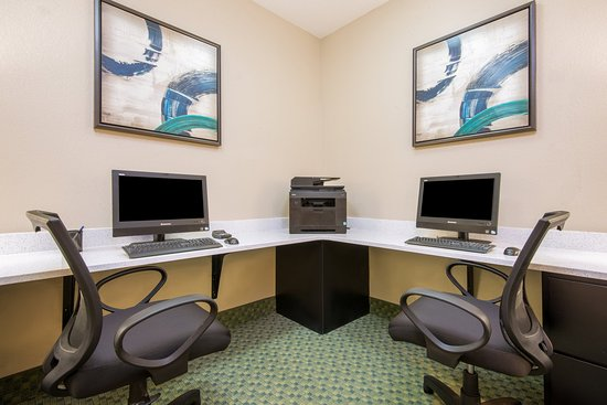 Candlewood Suites Hotel Jefferson City: Free 24-Hour Business Center