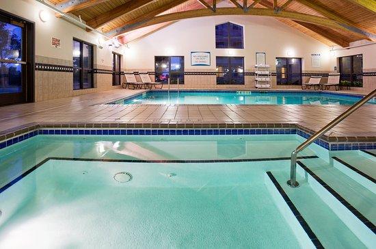 Staybridge Suites Eagan-Mall Of America: Whirlpool
