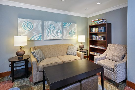 Staybridge Suites Glenview : Library