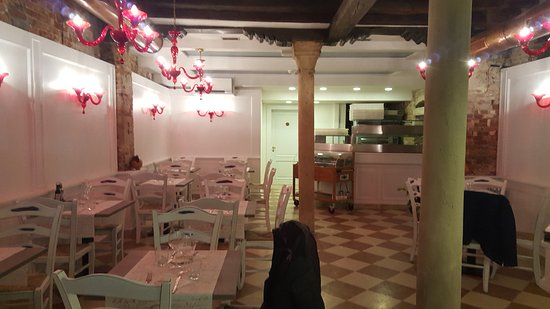 Photo of Italian Restaurant Ristorante Due Colonne at San Polo 2343, Venice 30125, Italy