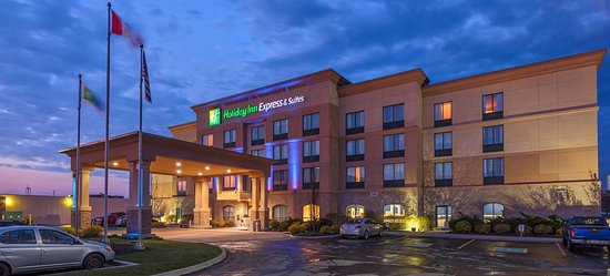 Holiday Inn Express Hotel & Suites Belleville: Hotel Exterior