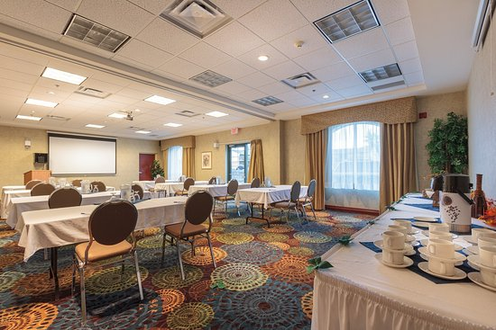 Holiday Inn Express Hotel & Suites Belleville : Don Ross A & B Meeting Room