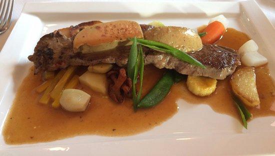 Saint-Pair-sur-Mer, Francia: Coeur de faux filet de boeuf au foie gras (à la carte)