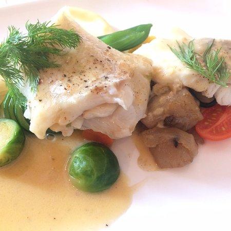 Saint-Pair-sur-Mer, Frankreich: Filet de cabillaud à la sauce au beurre et cidre (menu Normand)
