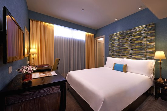 The Scarlet Singapore: Deluxe Room