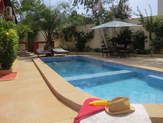 Kingfishers Apartments : Large pool area