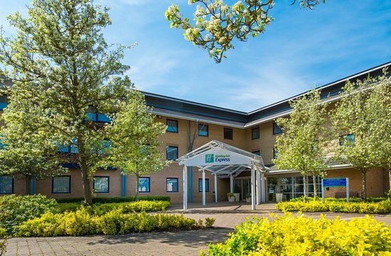 Holiday Inn Express Milton Keynes: Great value accommodation at affordable prices. That's us!