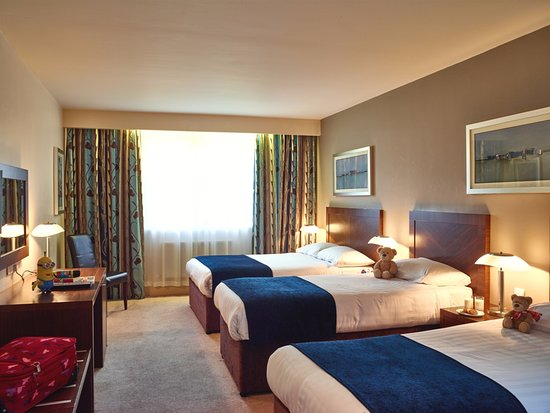 Ballyroe Heights Hotel: Family Bedroom