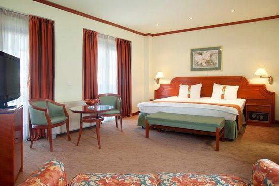 塞薩洛尼基假日酒店