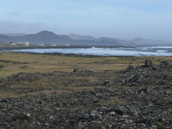Grindavik, İzlanda: Hopsnes: view to the east