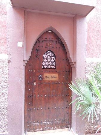 Dar Salam: entrance door