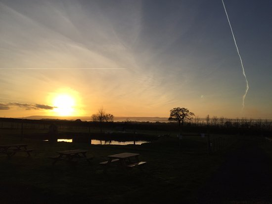 Woodbury Salterton, UK: View out into Exeter at Dusk - East Devon Beauty