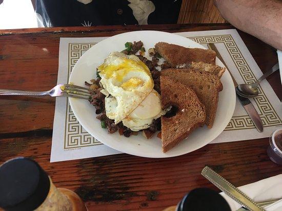 Mary's Gourmet Kitchen: photo3.jpg