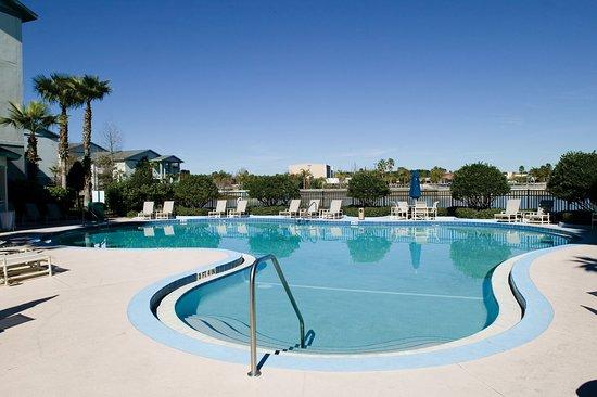 Wyndham Cypress Palms: Pool View