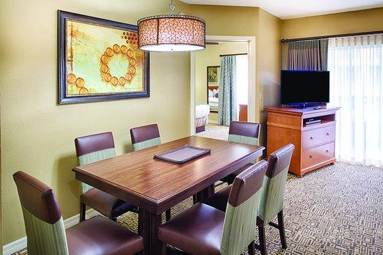 Wyndham Cypress Palms: Guest Room