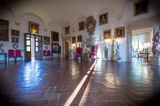 Pievescola, إيطاليا: Pope's Hall